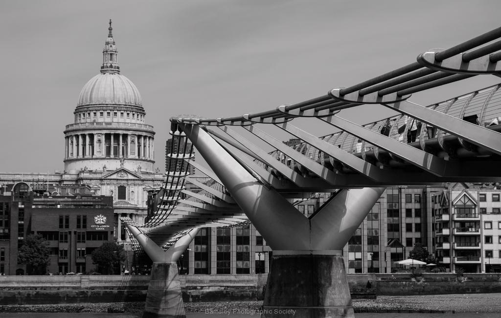 MILLENIUM FOOTBRIDGE by Phil Edwards