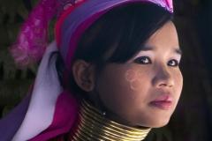 Kayan Lahwi Woman by Dave Rippon